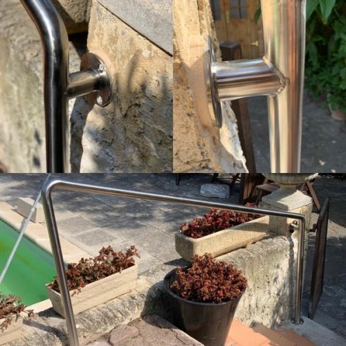 Installation d'un rampe inox par la Serrurerie Menuiserie de Provence sur Carry le Rouet